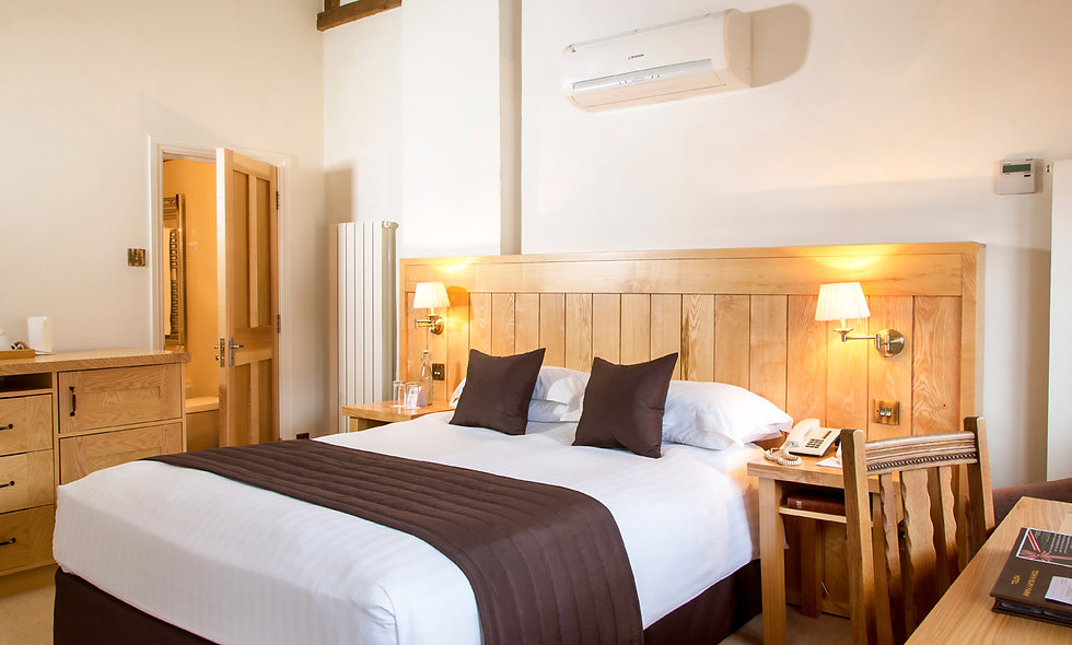 One Night Premier Break for Two at Tewin Bury Farm