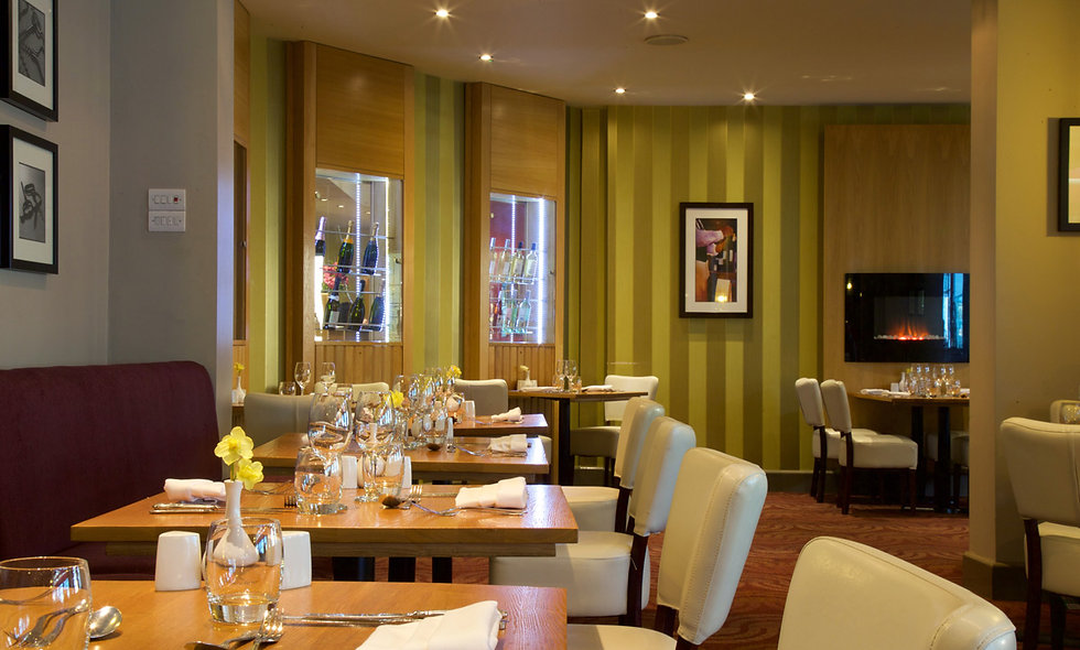 One Night Coastal Break with Dinner for Two in Bournemouth