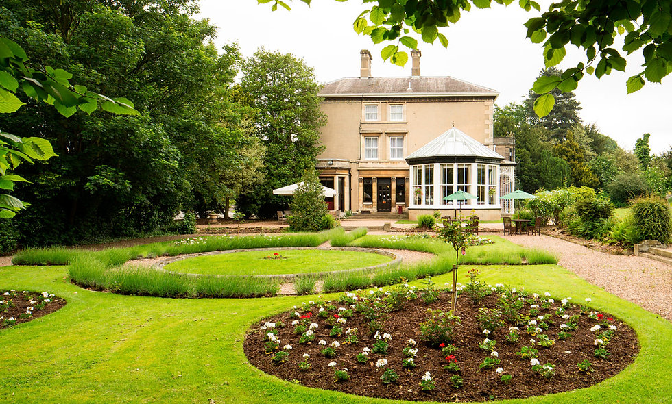 One Night Break with Dinner for Two at the Mercure Newton Park