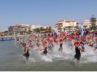 Más de 300 niños participan en la final de triatlón del programa Deporte en Edad Escolar