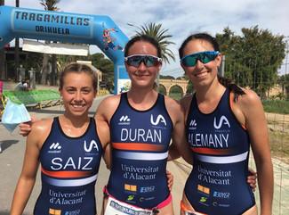 Laura Durán y Sergio Baxter triunfan en Orihuela, en el arranque de la Liga Regional de Triatlón de