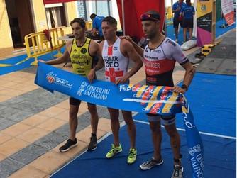El triatleta Pedro Andújar realiza una gran actuación en el triatlón olímpico Oliva la Degana