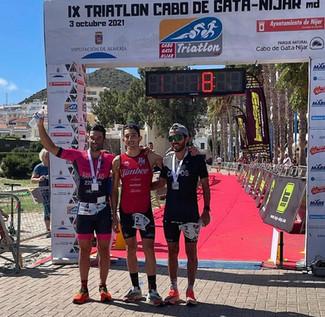 Pedro Andújar e Inma Tonda se coronan como Campeones Regionales de Triatlón de Media Distancia