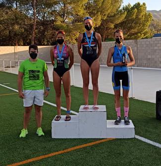 Laura Durán y Bienvenido Ballester se coronan como Campeones Regionales de Triatlón en Blanca