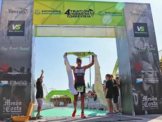 Brillante participación de los triatletas murcianos en el Olímpico de Torrevieja