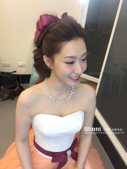 高馬尾俏麗新娘造型