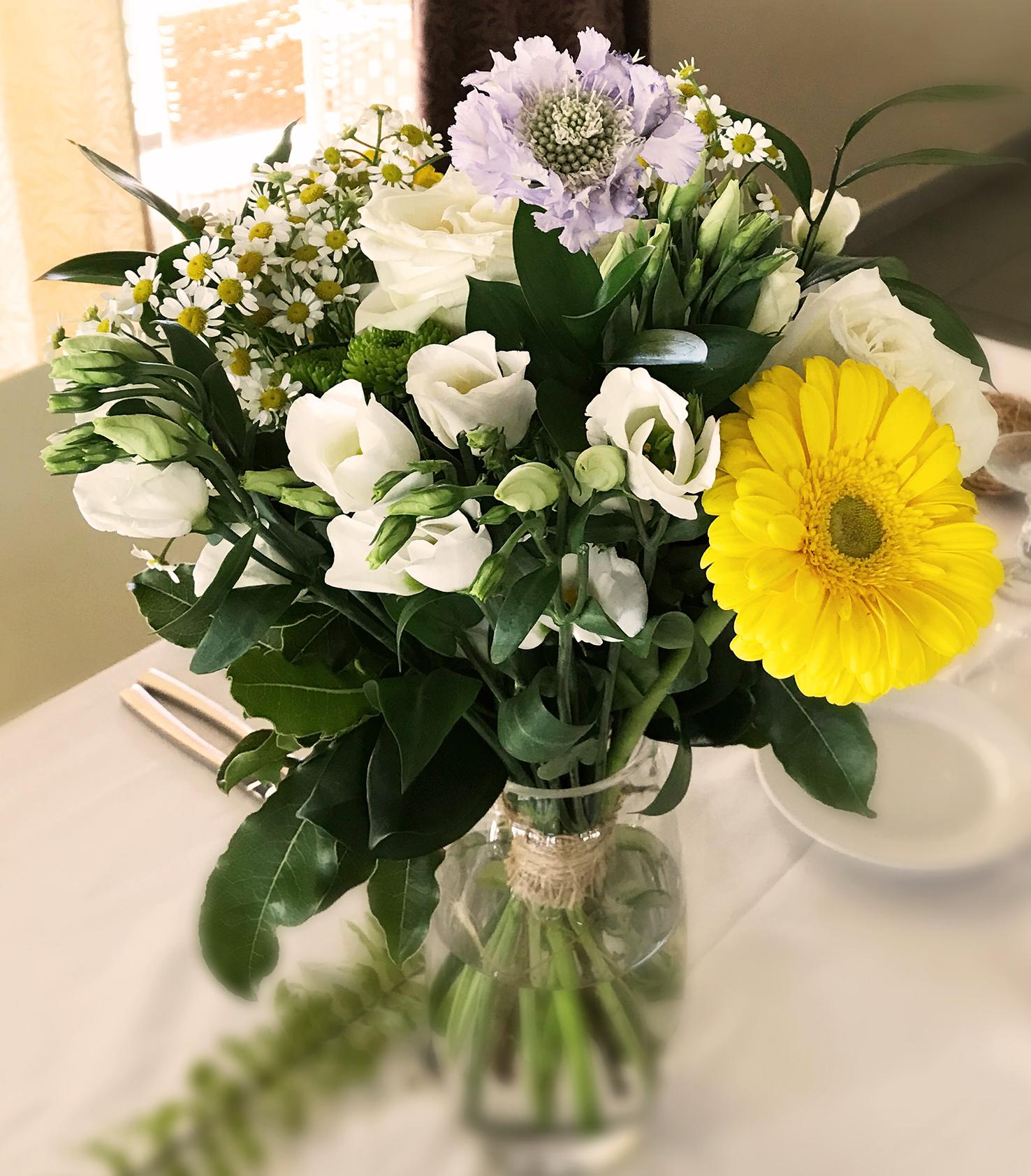 Petits bouquets sur un thème simple