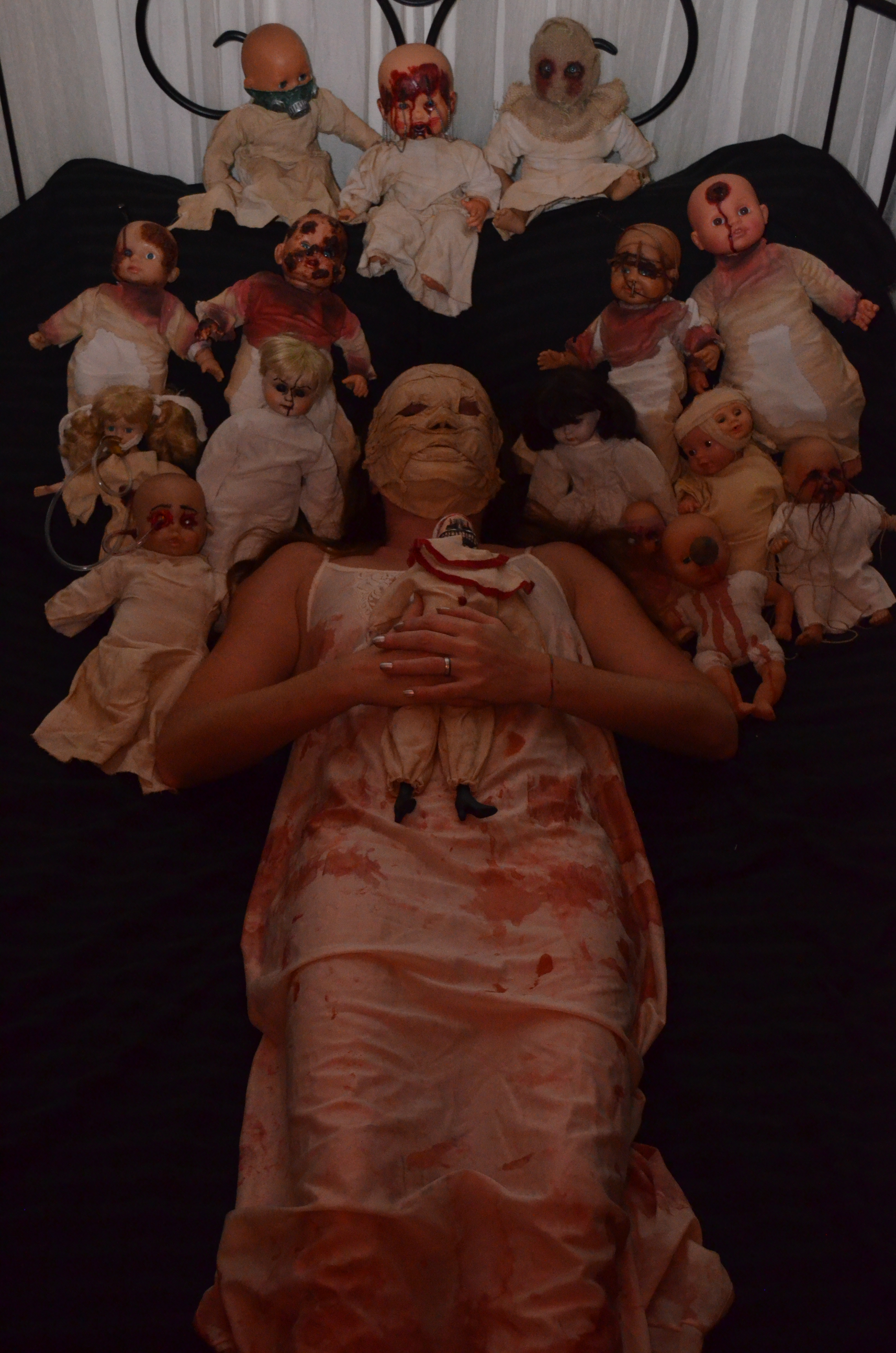 Funerarium with puppets