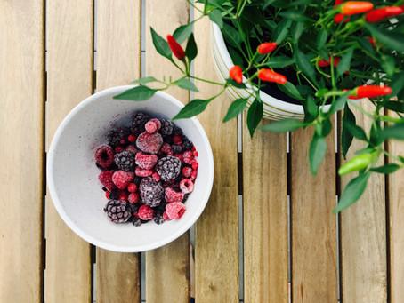 Kā saldēt ogas, dārzeņus un garšvielas: pa soļiem