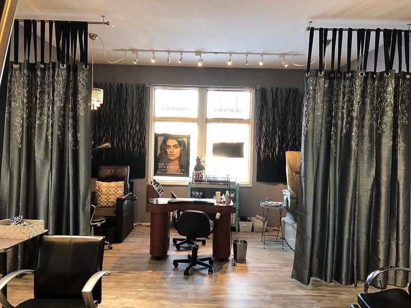 manicure-pedicure-area-salon-soleil