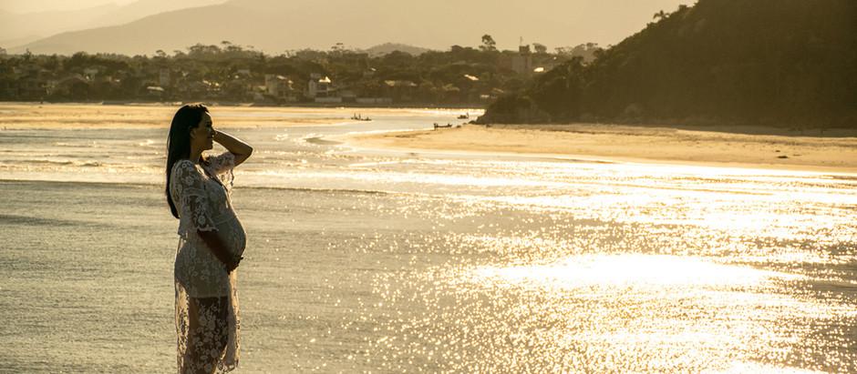 À espera da Maria: Ensaio Gestante na Praia na Grande Florianópolis