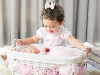 ensaio newborn com irmã