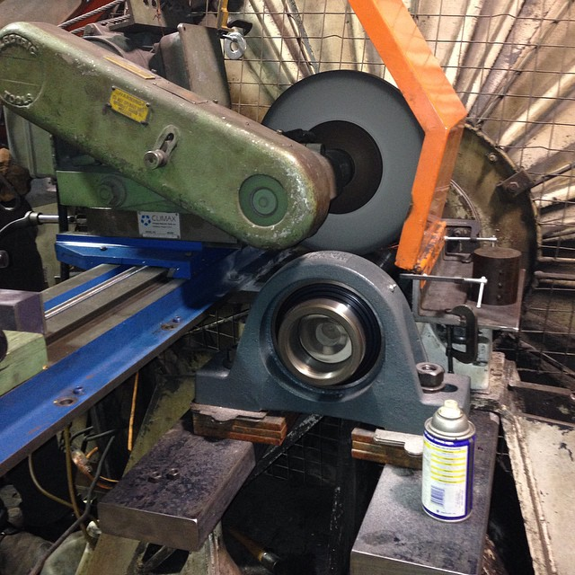 On site,fan shat bearing journal grinding