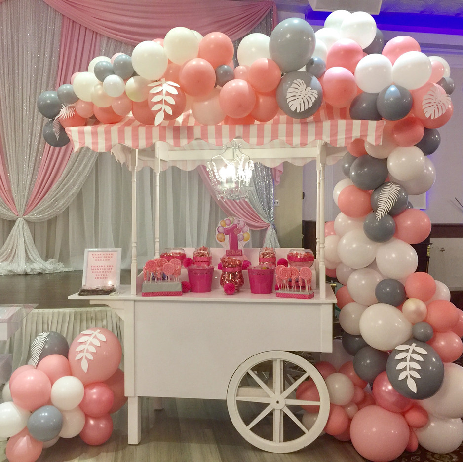 Sweet-table-Vintage-Cart-Rental-Balloon-