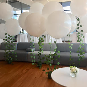 3 foot balloon centerpiece with greenery garland
