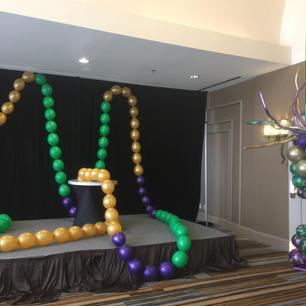 Mardi Grass balloon decoration