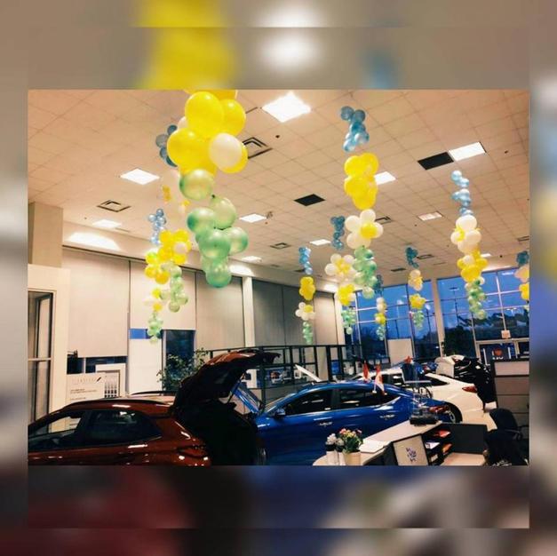 ceiling-balloon-decor-dealership-ideas.j