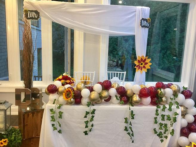 wedding-backdrop-sunflower-balloons-love