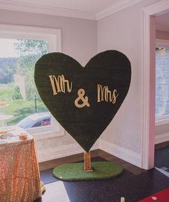 heart-greenery-backdrop-rental-weddings-
