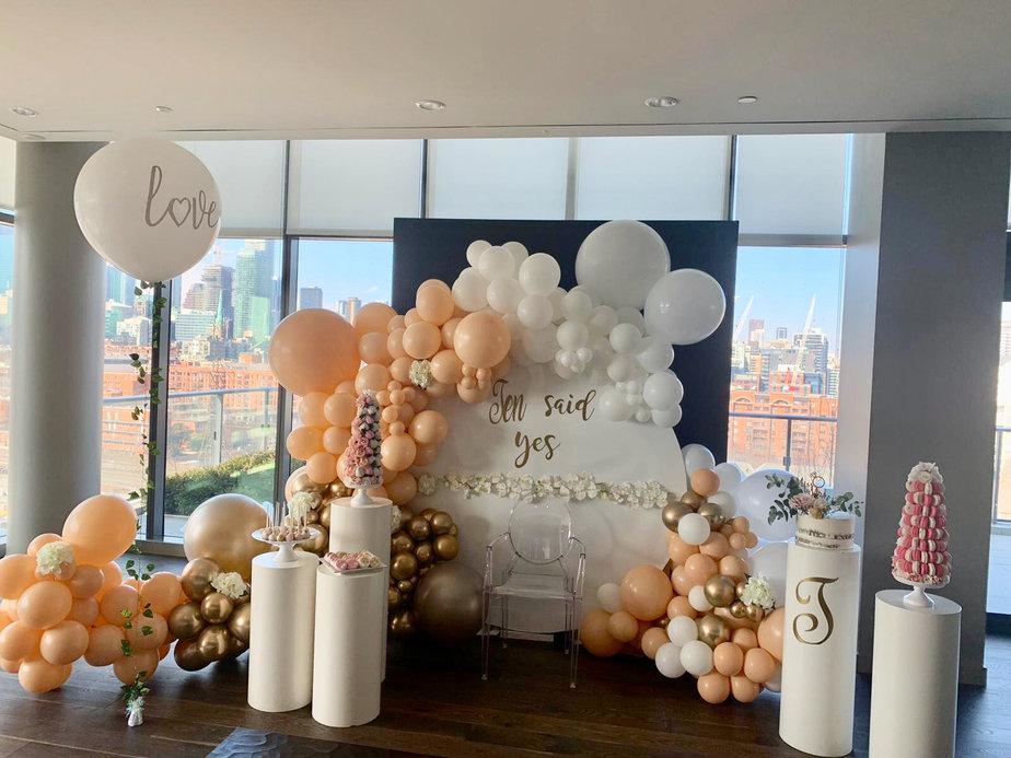 engagement-wedding-receptin-balloon-orga