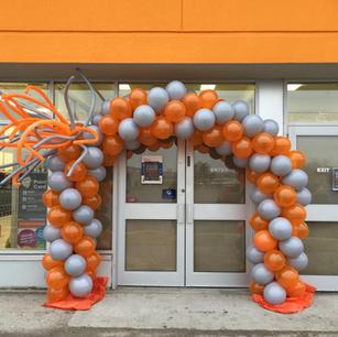 balloon arch for entrance door