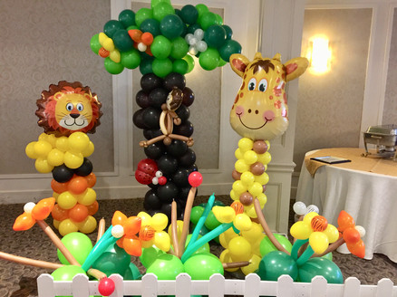 safari-jungle-theme-birthday-party-first