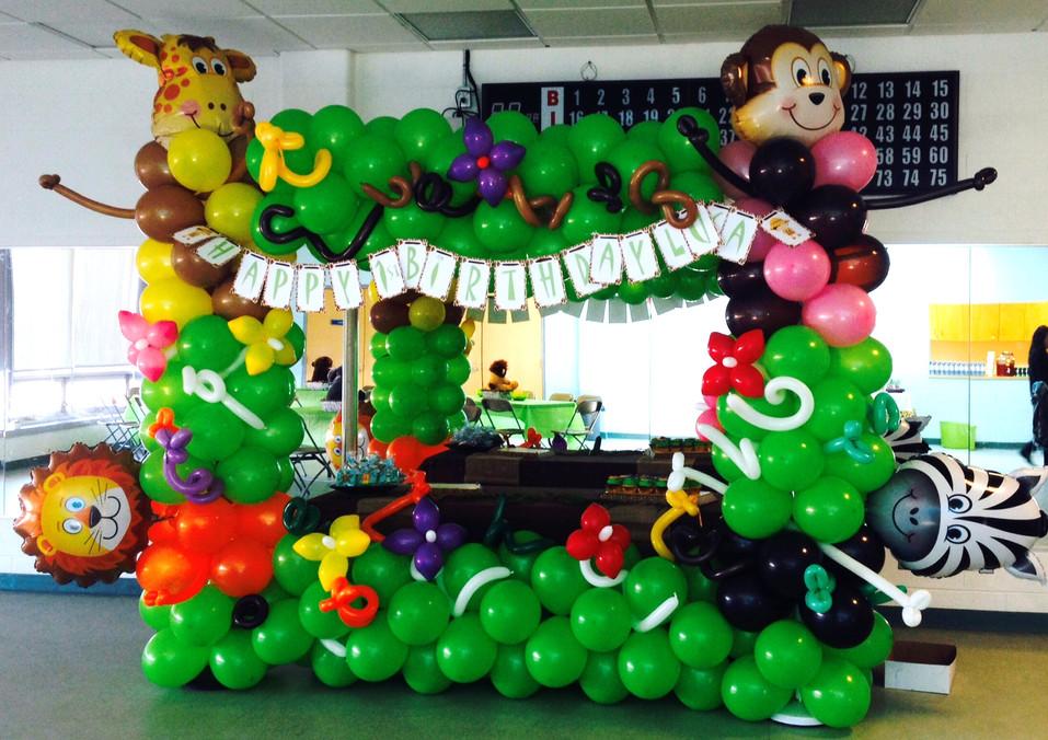 jungle-safari-balloon-frame-birthday-par