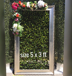 Photoshot-photobooth-wooden-frame-rustic