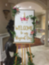 Easel-photo-stand-welcome-sign-decora-re