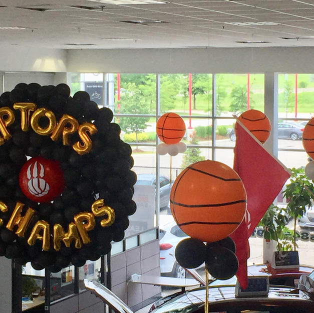 Raptors-balloon-decoration-idea-ceiling-