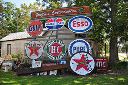 WALLY'S COLLECTIBLE SIGNS