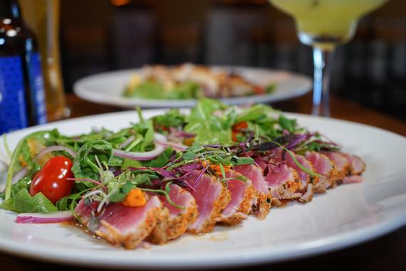 7 Spices Seared Ahi Tuna Salad