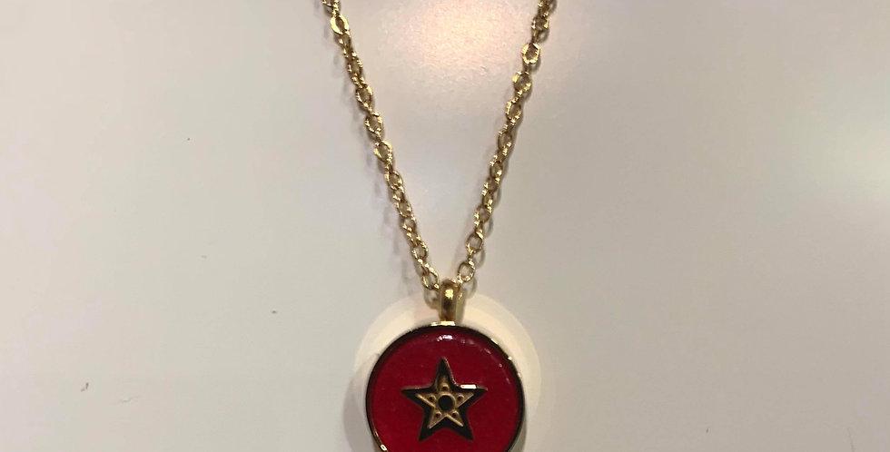 Collier Zag médaille rouge étoile acier doré