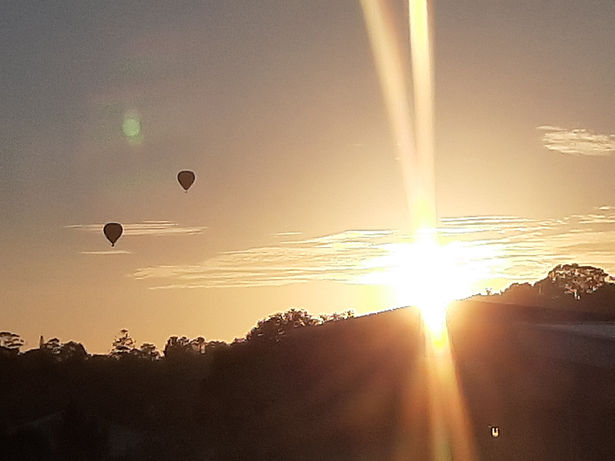 sunrise hot balloon.jpg
