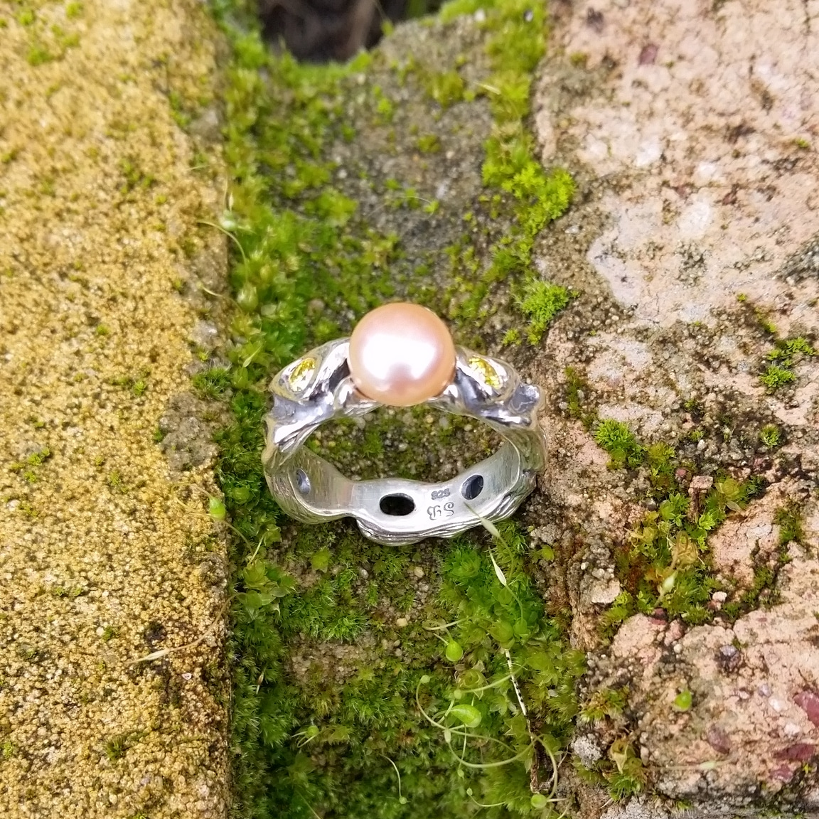 Pearl ring