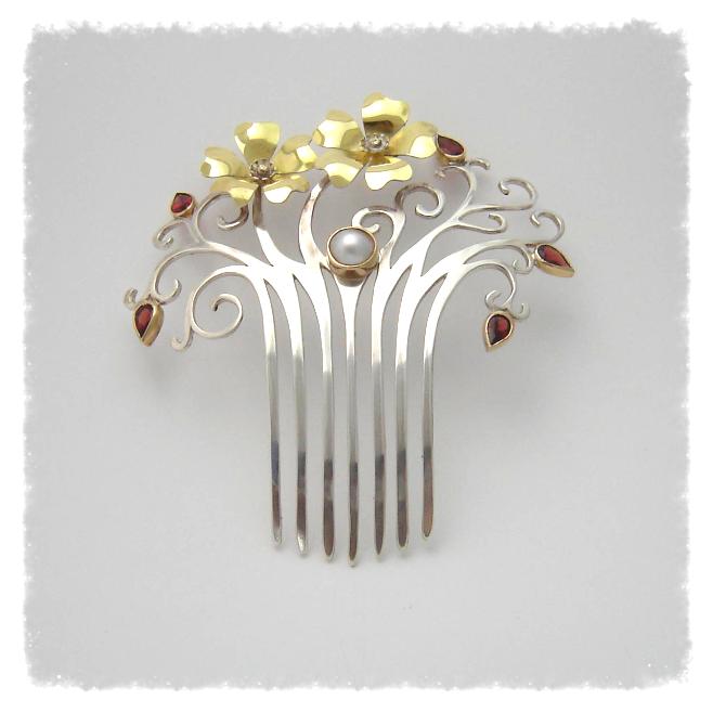 Art Nouveau style Haircomb