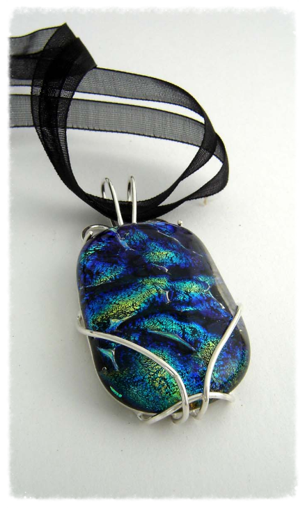 Foil glass pendant