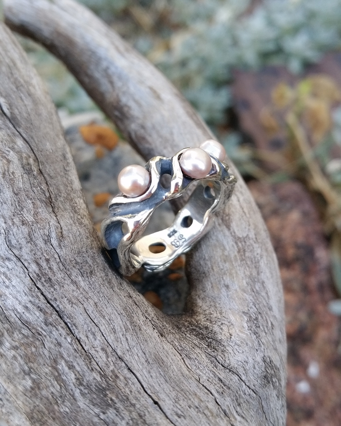 Organic style pearl ring