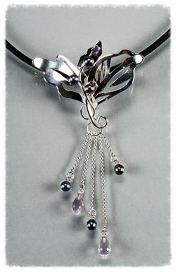 Sterling silver lilly pendant
