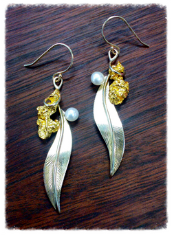 Fine gold nugget and leaf earrings