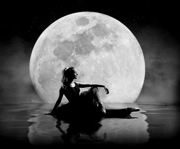 web-moon.jpg