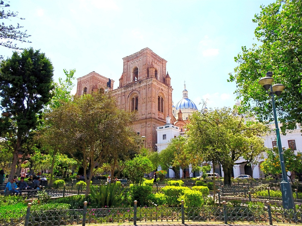 Calderon Park (Central Park) in Cuenca