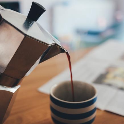 Oda İçerisinde Çay ve Kahve İkramları