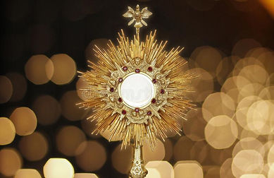 ostensorium-worship-catholic-church-ceremony-sacred-object-devotion-exposure-blessed-sacra