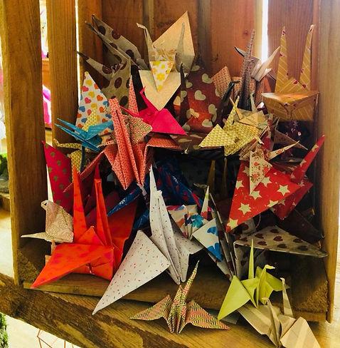 """Origami (grue) fait main avec de jolis papier colorés dans mon atelier boutique  """"la cabane"""""""