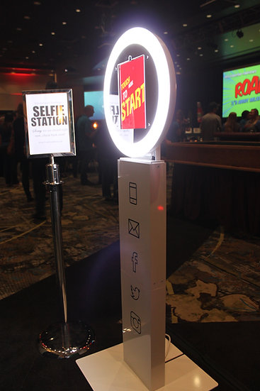 Photo Booth Kiosk with Social media sharing