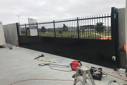 AP Fencing Services - emergency repairs and maintenance