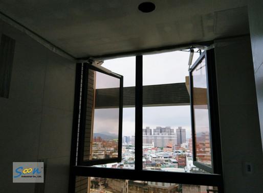 大面積的側開窗,也能裝設電動開窗機構