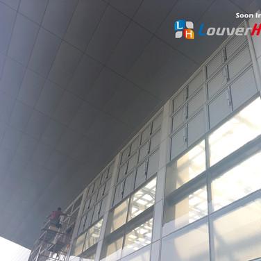 Commercial Building / Jalousie Windows / Natural Vent