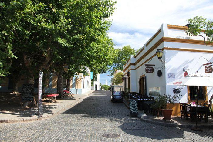 Colonia'nın arnavut kaldırımlı yolları